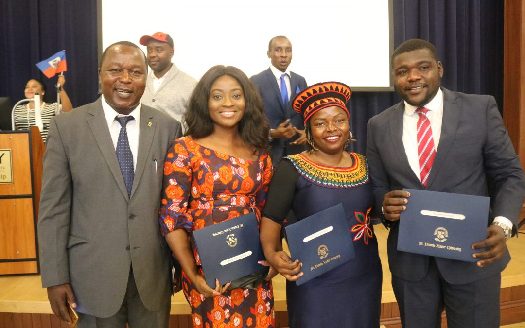 Global Leaders Celebrate Graduation for New Thematic Certificates